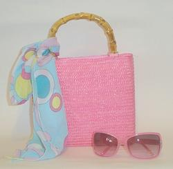 Pink Beach Straw Handbag with wood handles